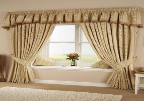 Decoración de cortinas de salón