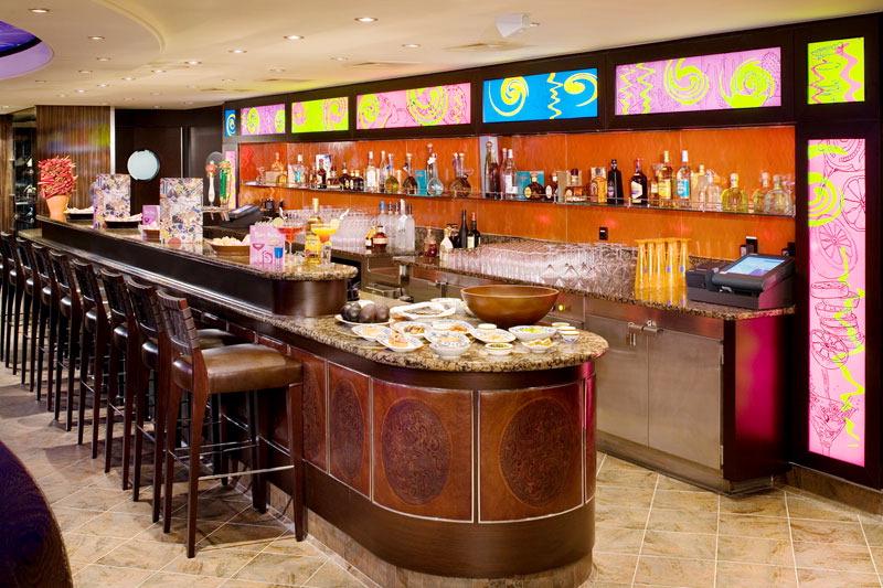 Decoraci n de bares de tapas for Decoracion bares modernos
