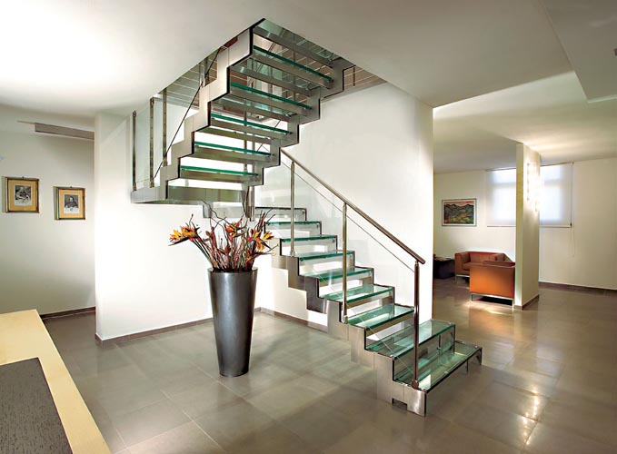 Decoraci n de escaleras interiores for Escaleras modernas para casa